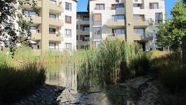 Explore this property 3 Bedroom Apartment in Somerset West Central
