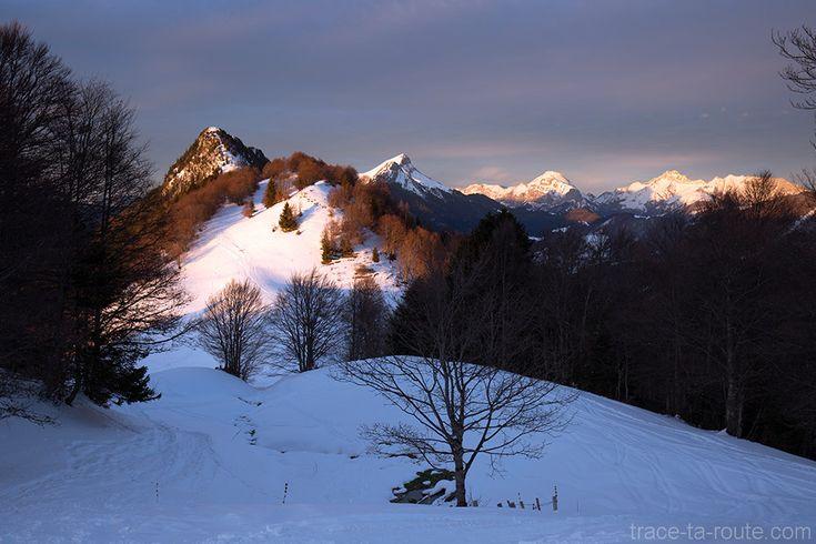 Col de la Buffaz sous la #neige en #hiver - Pointe de la #Galoppaz #Randonnée #raquettes Massif des #Bauges #Montagne #Savoie