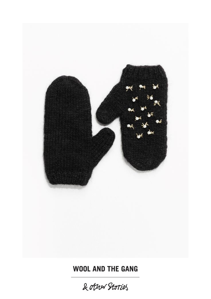 & Other Stories Chasing Purl Mittens  in Black