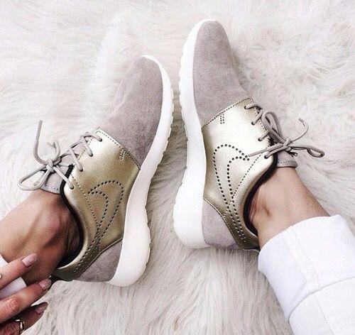 Nike Free grises et dorées