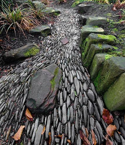 stone path--gives the illusion of rushing water: Great Gardens & Ideas: