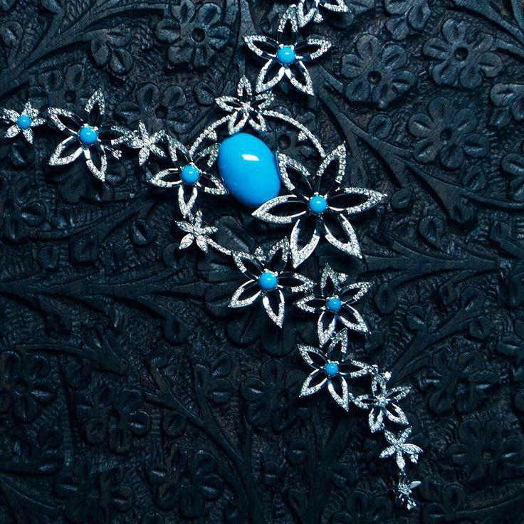 Колье «Альциона». В центре каждой звезды – яркая аризонская бирюза в соцветии бриллиантов. #cluev #jewellery #turquoise #diamonds