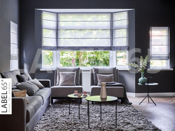Vouwgordijnen in een lichtgrijze kleur geven deze woonkamer een unieke sfeer en toch ruim voldoende licht in huis! Ook van deze prachtige vouwgordijnen in huis? Kijk op www.vouwgordijn-shop.nl