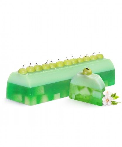 Big Apple Dream Soap Cake | LeSoie Cosmetics Topped with decorative apples on a combination of yellow and green soap base gives that extra finishing touch. The crunchy, juicy and fresh apple aroma transports you into a green garden, surrounded with a mixture of fresh fruity scents of apple, pear and peach. This apple soap cake gives an irresistible freshness that is unforgettable.