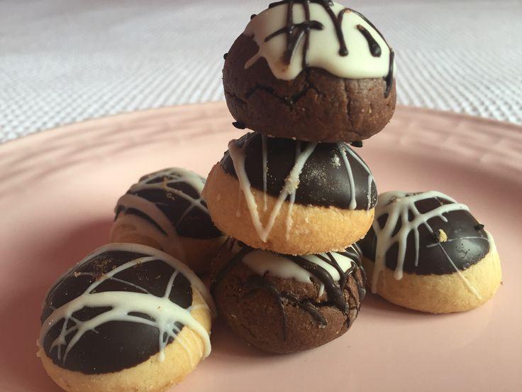 İçi hindistan cevizi dolgulu nefis cocostar kurabiye tarifi yapılışı PRATİK süper bir kurabiye tarifidir.Hindistan cevizli cocostar kurabiye nasıl yapılır?