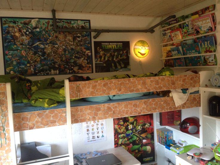 Antons værelse, ninja turtle bunk bed