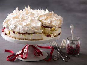 Tämän suussasulavan kakun voit valmistella hyvissä ajoin ennen tarjoilua. Marengin voi tehdä edellisenä päivänä ja säilyttää kuivassa huoneenlämmössä peittämättä. http://www.valio.fi/reseptit/jaadytetty-valkosuklaa-marenkikakku/ #resepti #ruoka