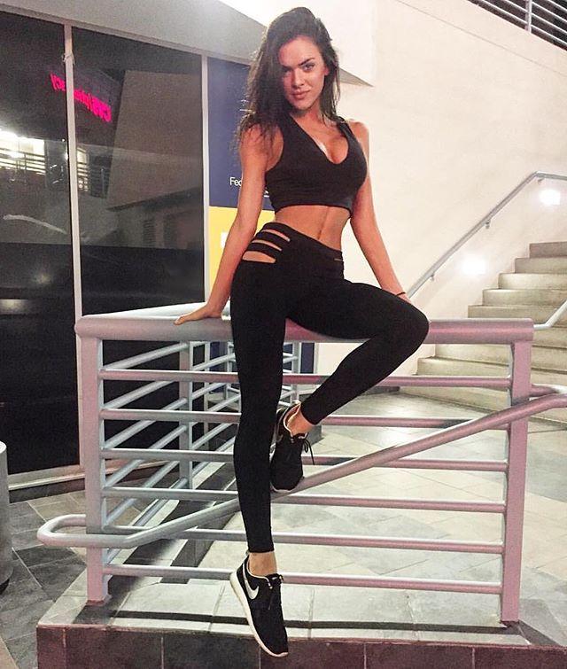 Elle Fitness Leggings: 46 Best Karina Elle Images On Pinterest