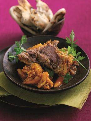 Ysgwydd Cig Oen Cymru gyda sbeisys cyrri - Welsh lamb with curry
