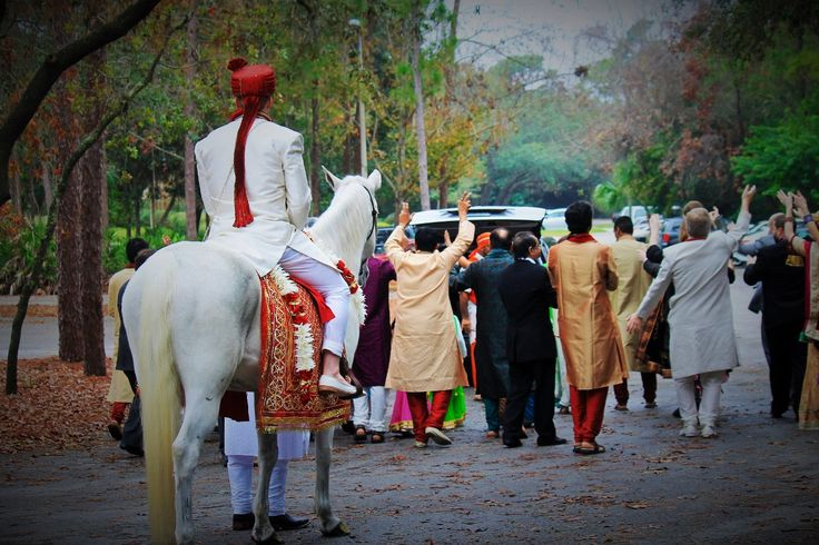 Baarat •One of the major functions  •Family, realtives and friends of the groom make a procession towards the brides' home to pick up his Mrs.  •Once baarat reaches, grooms family set a display of fireworks and dance