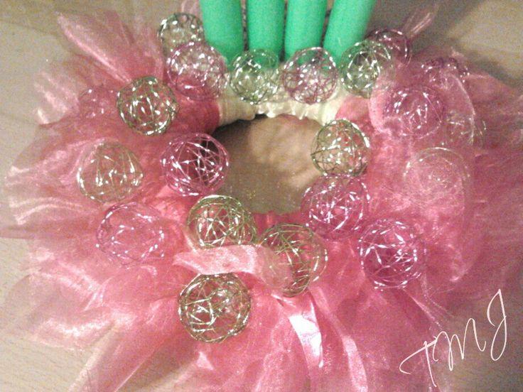 Pink and green wreath. Pink és zöld koszorú.