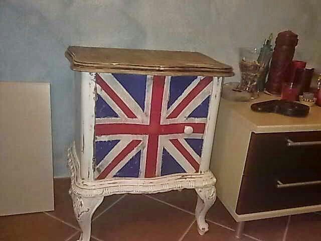 England badside table