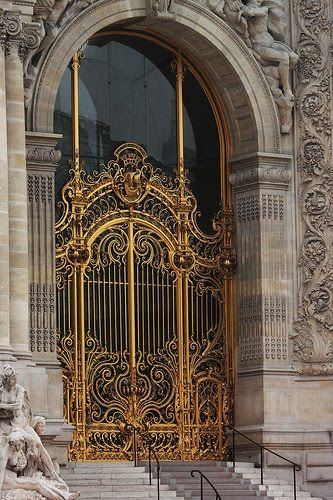 gorgeous entrance, i can see my estate with this.....after the lotto of course......