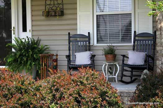 Small Front Porch Ideas | Summer Porch Decorating Ideas for a Cool Yet Sizzling Porch