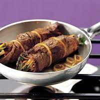 Gourmetten  met rosbiefrolletjes, bosui en koriander