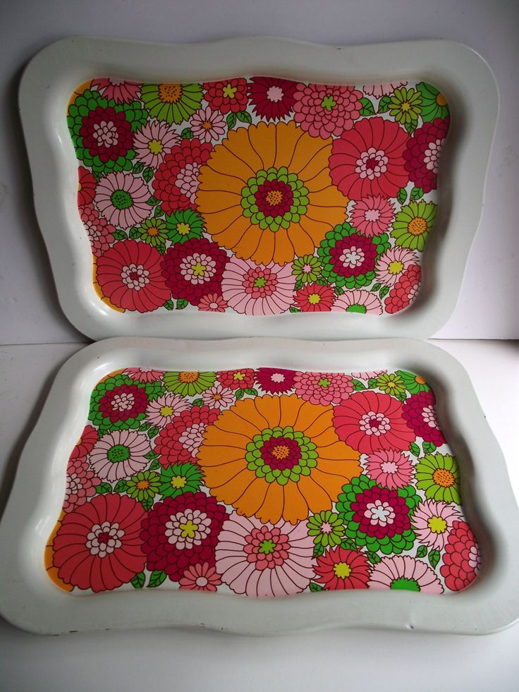 Bold & Bright Flower Power Serving Tray, Set of Two Aluminum Trays, Large Tray by StilettoGirlVintage on Etsy