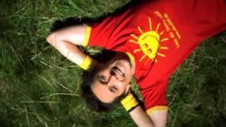 """Offizieller Videoclip """" So ein schöner Tag ( Fliegerlied )"""" - Original, via YouTube."""