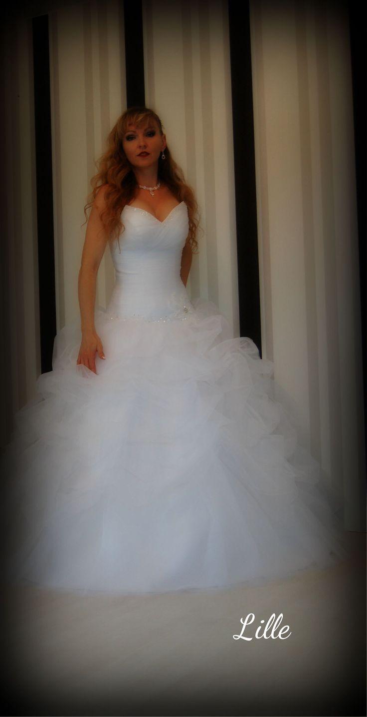 Lille Brautkleid von Angely ein Prinzessinnen Kleid aus Tüll mit ...