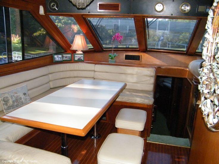 69.0 ft 1987 Ocean Alexander 71 Cockpit Motoryacht