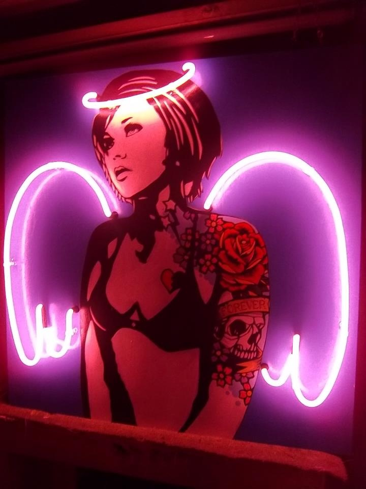 NEON 'ANGEL WINGS  HALO' SIGN                                                                                                                    ๑෴MustBaSign෴๑