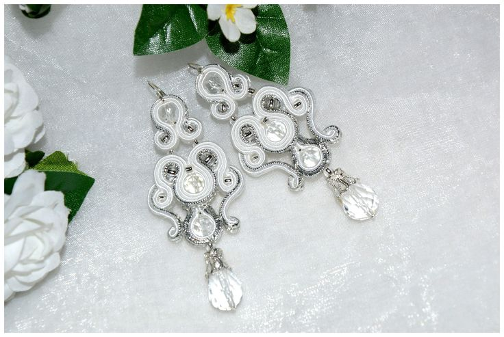 kolczyki ślubne sutasz w kolorystyce srebro i biel