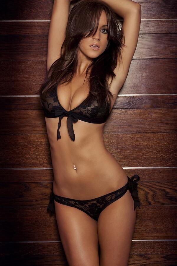 Superbe femme! Sachez que sur http://www.rencontrebassenormandie.com/femmes/, vous pouvez aussi en trouver une sexy!