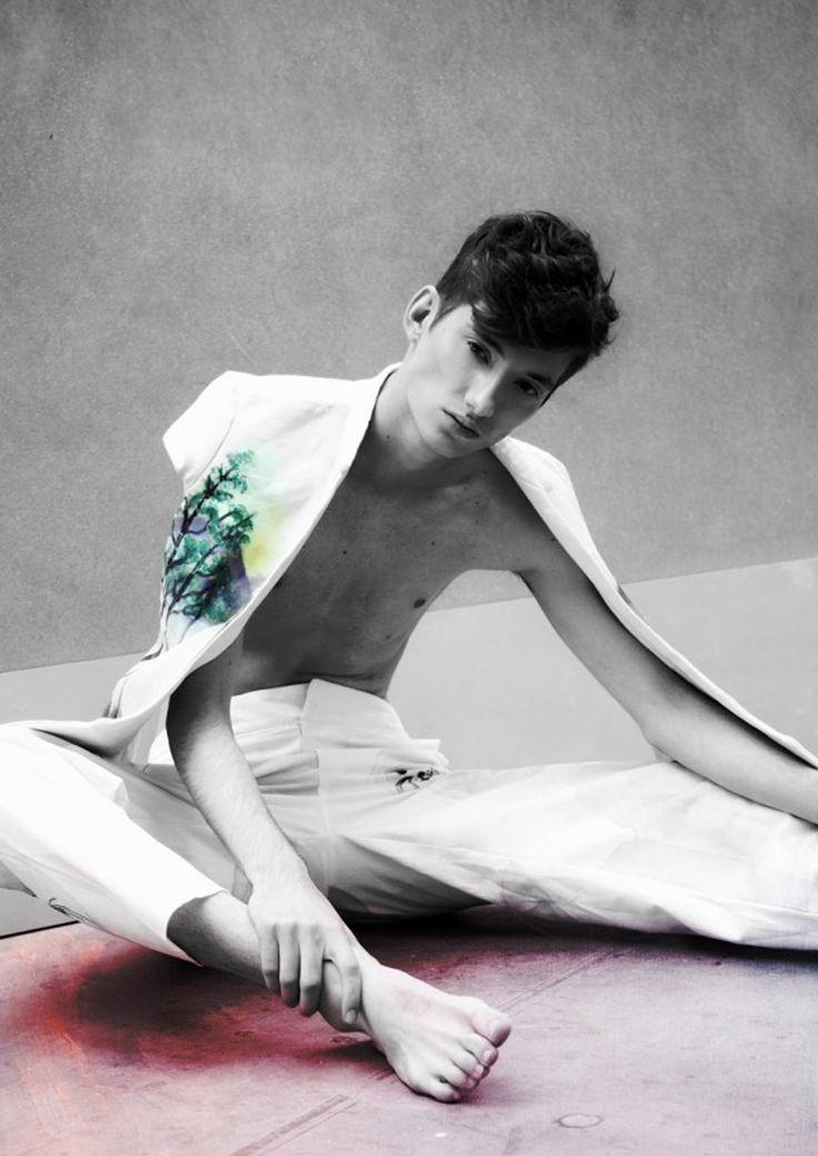 new editor chasseur magazine DISGRAPHIC Photography | Emile Kirsch Styling | Tatiana Terrine Make Up + Hair | Yann Rebelo Model | Clement Aulu @ ROCKMEN Fashion | Is Not Dead, Flo De Richefort, Levis http://chasseurmagazine.com/…/chasseur-webditorial-disgrap…/#