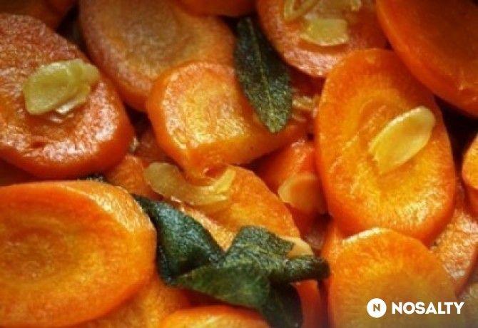 Illatos mandulás sárgarépa