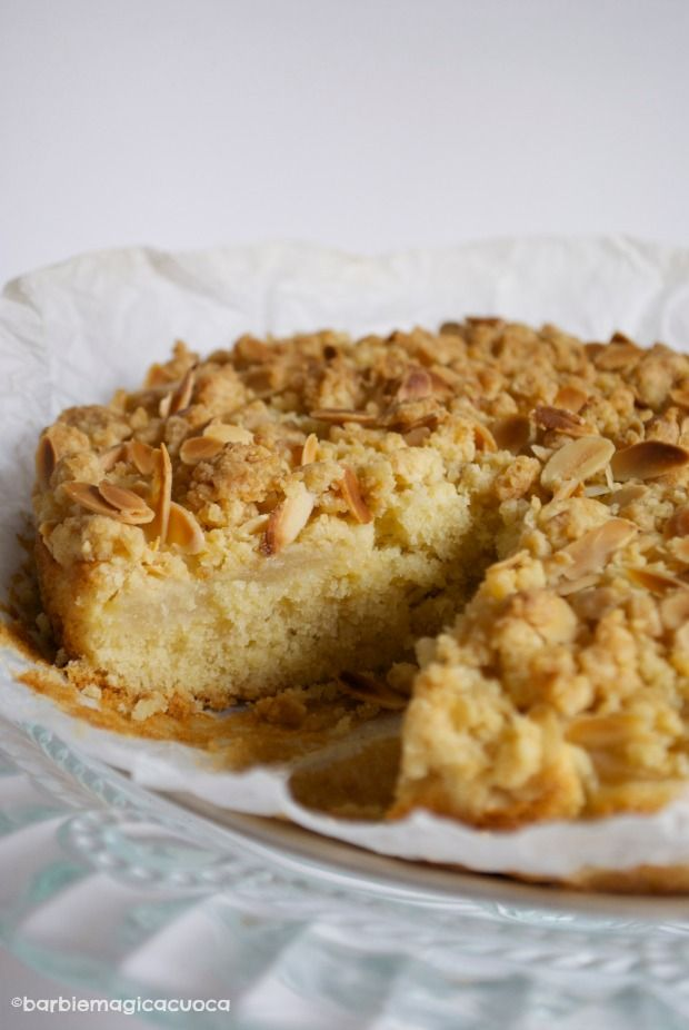 Torta di pere e mandorle con streusel croccante - pear and almond cake with streusel topping