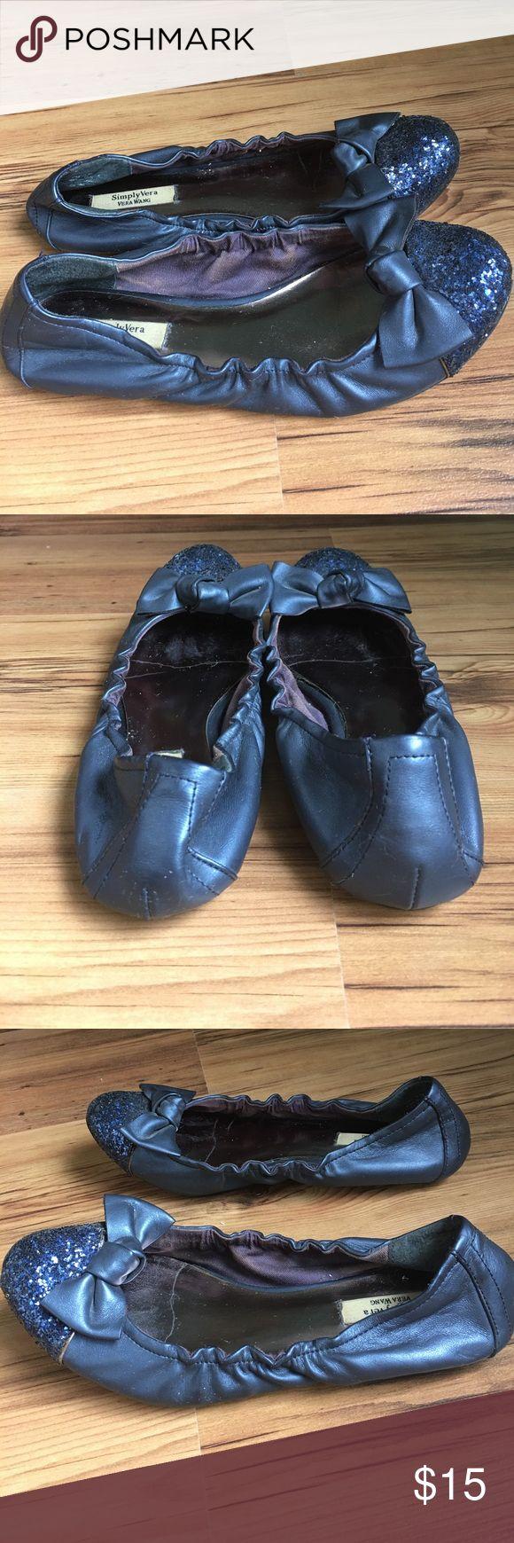 Vera Wang Navy Ballet Flats Simply Vera Vera Wang Navy blue flats embellished with glitter and bow details Vera Wang Shoes Flats & Loafers