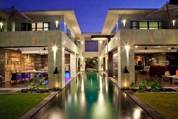 Saw a house on MTV cribs like this once that I just loved!!!   Our ...