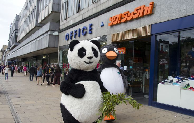 Latest news Edinburgh Zoo does Trainspotting