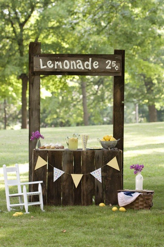 Best 25 lemonade stand wedding ideas on pinterest for Rustic lemonade stand