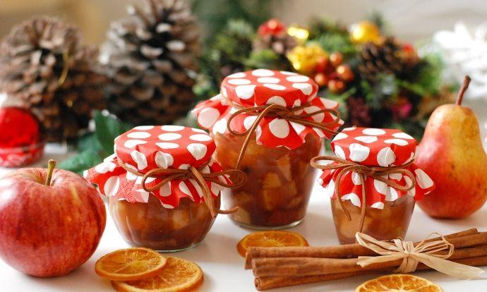 Provoňte domov skořicí a pečeným jablkem. Navíc je čaj vhodný i jako jedlý dárek....