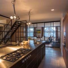 RENOVATIE APPARTEMENT AMSTERDAM: klasieke Keuken door DENOLDERVLEUGELS Architects & Associates