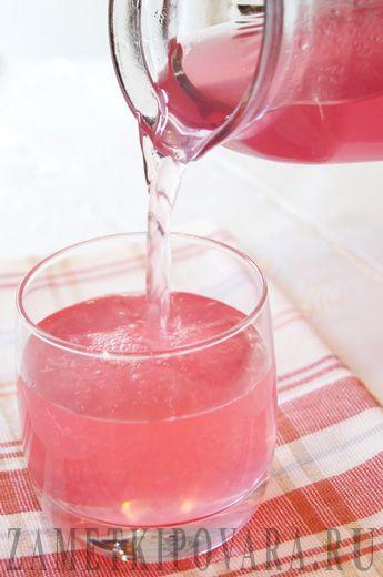 Напиток из фиолетового базилика