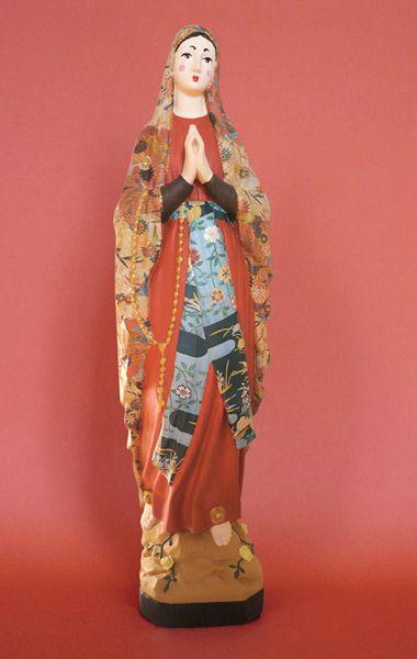 Statue della Vergine Maria in versione Pop | Mandarino Adv