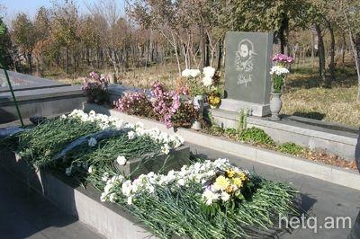 Armenia - Yerevan - Yerablur - grób Monte Melkonian. 7246.jpg (400×266)
