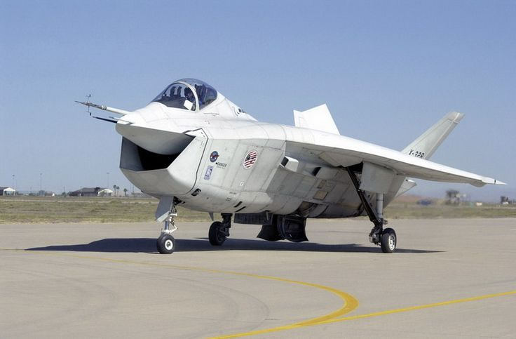 boeing x-32 jsf - web credit here - http://www.aviationexplorer.com/boeing_x-32_monica_jsf_aircraft_facts_history.html
