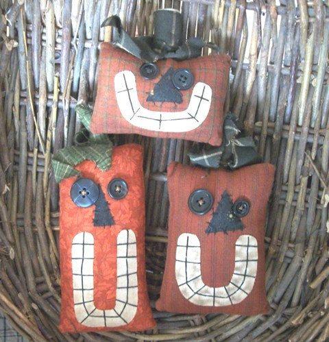 Primitive Halloween Jack O'Lantern Bowl Fillers ...set of 3. $18.85, via Etsy.: Primitive Halloween