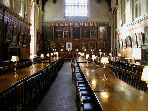 Harry Potter film locations plus other places where you can live the HP life. (Christ Church, Oxford = the Great Hall)