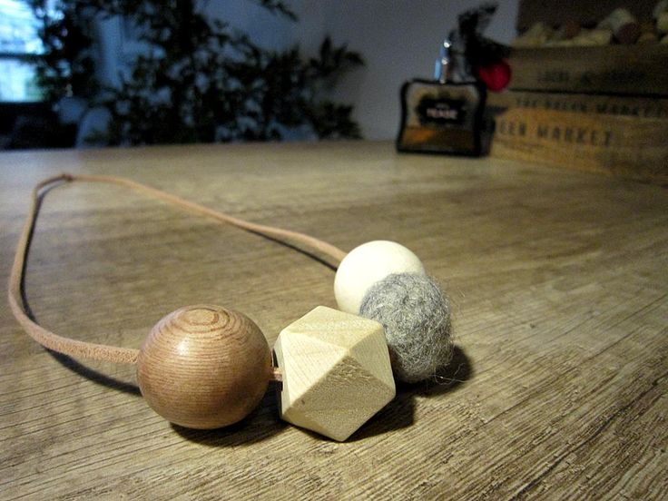 DIY wood and felt necklace by lilmissboho 2