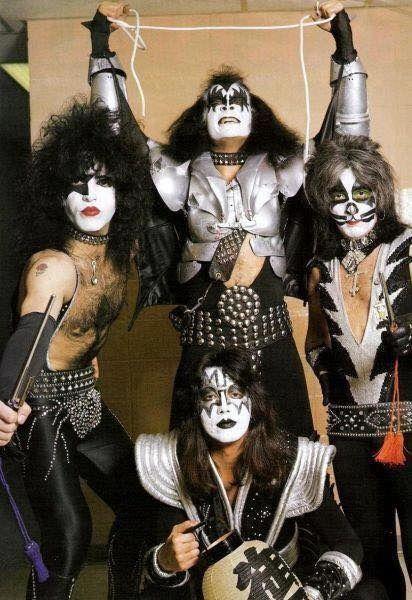 Bildresultat för kiss band 1976