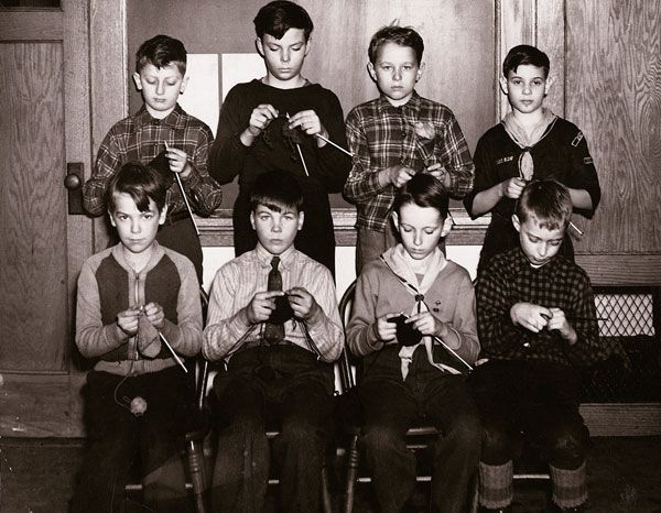 Knitting in WW2 #men #knitting #crocheting #yarn #RealMenKnit