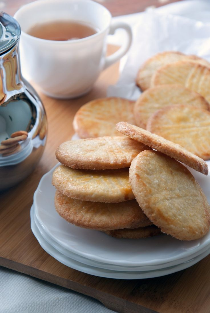 Vous cherchez la recette des biscuits Mont St Michel, et bien la voici... http://www.cookandgoute.org/biscuits-mont-st-michel/