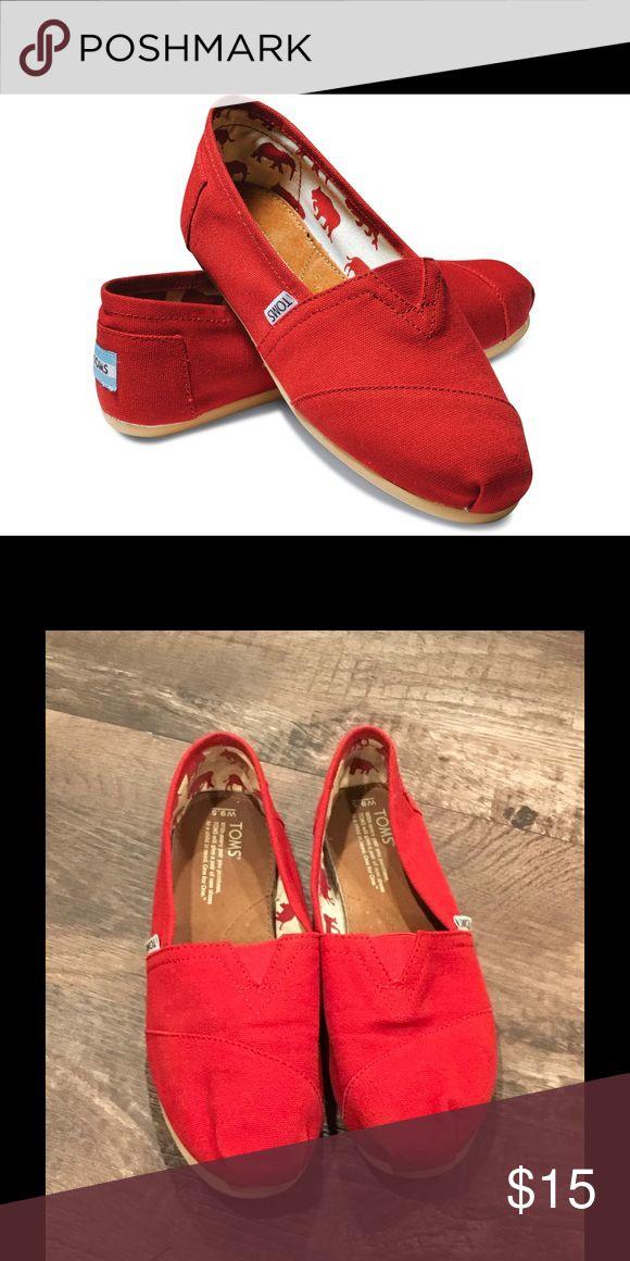 Toms Classic red canvas! Shoes Espadrilles
