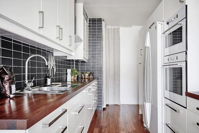 Blog Wnetrzarski Design Nowoczesne Projekty Wnetrz Biala Kuchnia Z Drewnianym Blatem Podloga 2 Propozycje Kitchen Home Home Decor