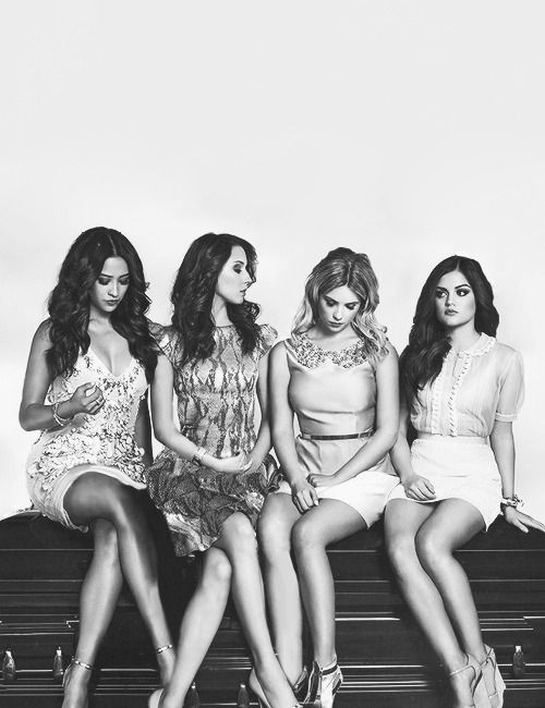 pretty little liars lucy hale ashley Benson shay mitchell troian bellisario
