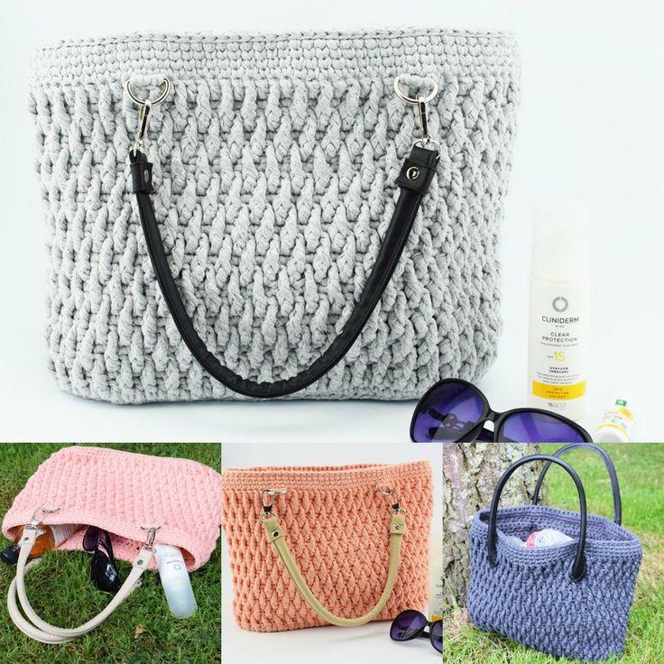 Denne lækre Ribbon taske er hæklet i en smukt og tidsløst mønster, der passer til alle lejligheder. Brug den som standtaske, håndtaske, eller måske som din garn