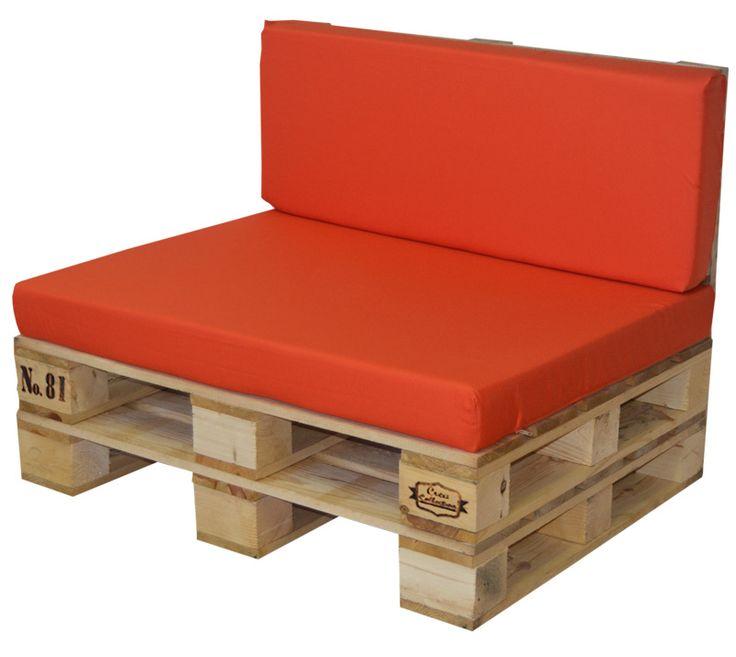 Conjunto palet: de sofa palet y cojín exterior para zonas techadasSofá  elaborado con palets Europeos reciclados. Por sus dimensiones, se trata  de un mueble multifuncional, un asiento auxiliar